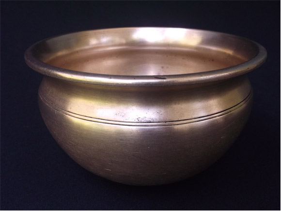 Tamil Nadu Antique bronze curry pots size Height 4.3 inches ,width at the mouth 6.75 inches -front view