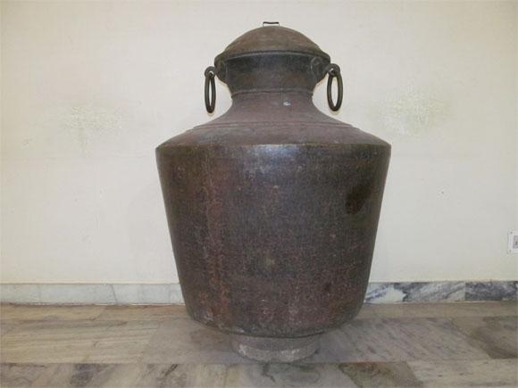 Kidaram - Large Brass Water Storage Pot