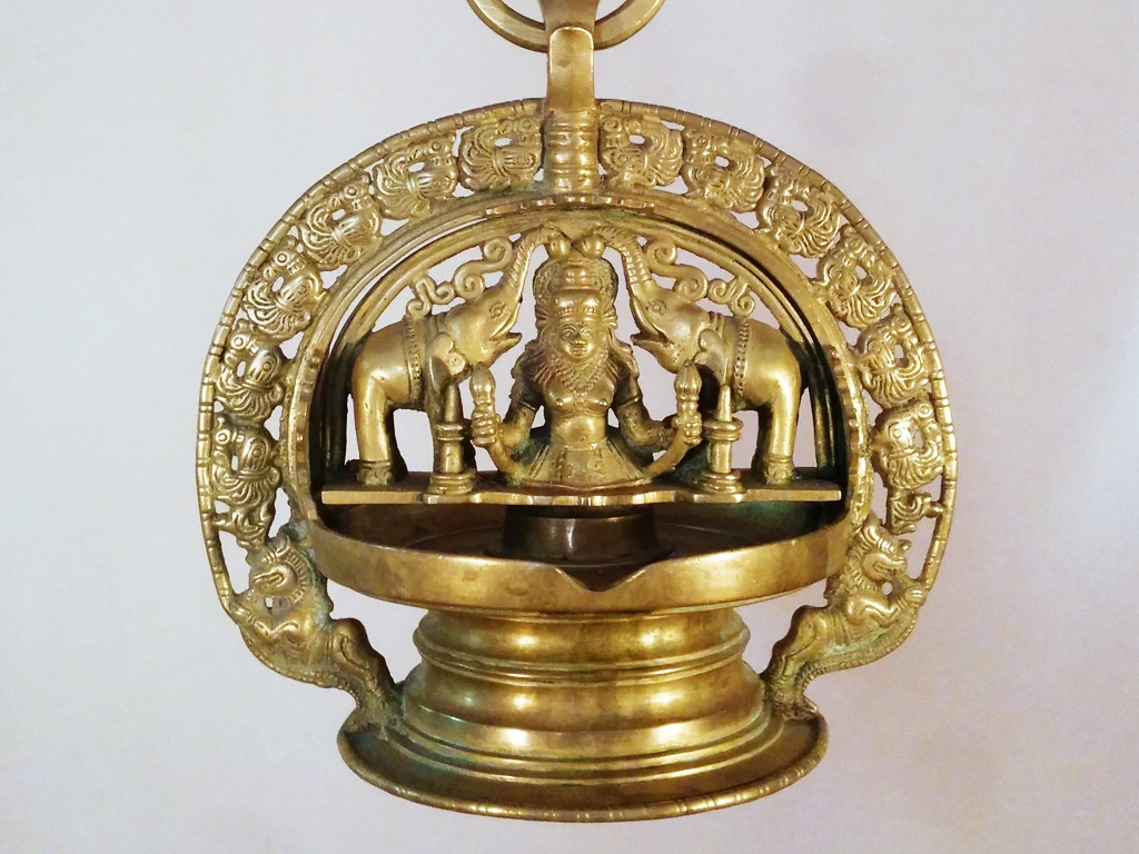 Antique Gajalakshmi Panchaloha Oil Lamp